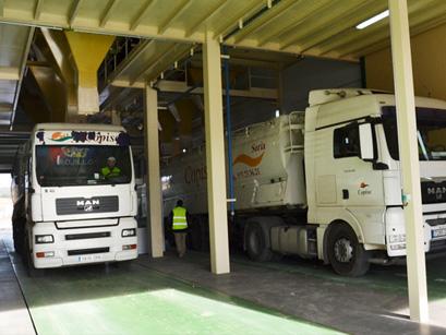 Más de 40 vehículos para cubrir los servicios